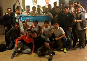 Uzbekistan fight fans